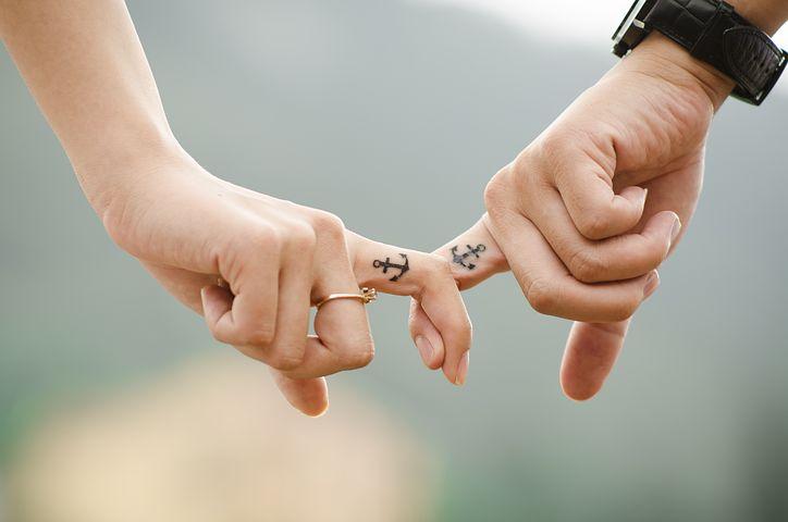 Après 4 ans de vie commune, j'ai découvert l'infidélité de mon conjoint. Dois-je le quitter ?
